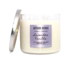 Vanilla Essential Oil, Essential Oil Candles, Natural Essential Oils, 3 Wick Candles, Best Candles, Candle Jars, Candle Companies, Burning Candle, Candle Making