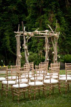 Rustic wedding ceremony: http://www.stylemepretty.com/little-black-book-blog/2014/01/14/traditional-magnolia-plantation-wedding/ | Photography: Kimberly Kay - http://www.kimberlykayphoto.com/