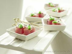 Glasierte Thunfischwürfel mit Meerrettichschaum und Kaviar - smarter - Kalorien: 86 Kcal | Zeit: 45 min.