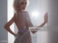 Stock-Foto : Glamourous Woman glancing over shoulder