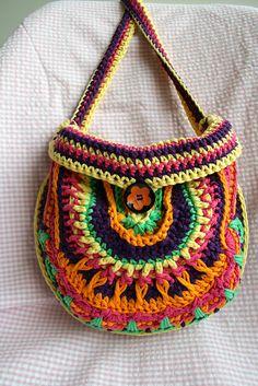 Ravelry: Mandala girls purse 202 pattern by Luz Mendoza