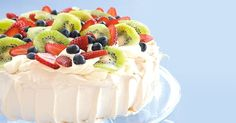 It's just not a party without a pav - and this Traditional Pavlova Recipe is a must make. Make it your own by topping and decorating your finished pavlova with whatever you fancy. From crushed chocolate to fresh fruit, the possibilities are endless! Meringues Thermomix, Dessert Thermomix, Australian Desserts, Australian Food, Australian Recipes, Pavlova Cake, Cake Recipes, Dessert Recipes, Dessert Healthy