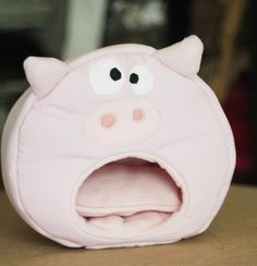 Kuschelhöhle Piglet von Little_Stitch auf DaWanda.com