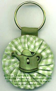 Fabric Yo-Yo Projects | Lazy Girl | Blog » Quick and Easy Yo-Yo Keychains