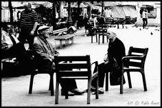 [2011 - Batalha, Porto / Oporto - Portugal] #fotografia #fotografias #photography #foto #fotos #photo #photos #local #locais #locals #cidade #cidades #ciudad #ciudades #city #cities #europa #europe #pessoa #pessoas #persona #personas #people #street #streetview #baixa #baja #downtown #idoso #idosos #viejo #viejos #old @visitportugal @etuga  @webookporto @oportocool @oportolobers