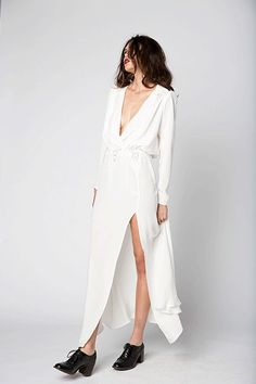 18 Stunning Wedding Dresses For The Beach-Bound Bride+#refinery29