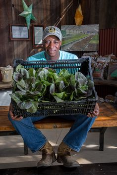 Written by Evan Eagan Photos by Susanna Frohman Nate Looney is not your typical farmer. Young, fit and full of enthusiasm, he bears few similarities with an aging farming population that is dwindling with each new harvest. Looney, however, is part of a new wave of veterans embarking on careers in agriculture after returning home …