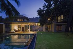 Gallery of Villa Ribander / Raya Shankhwalker Architects - 12