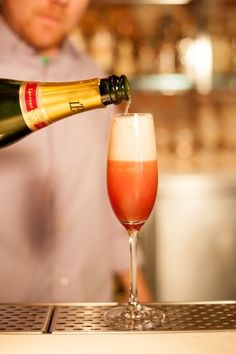 DIY champagne cocktails to upgrade your New Years toast! Photos by Maria del Rio