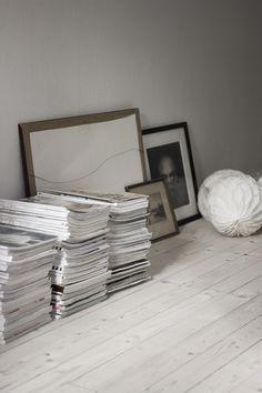Many magazines on the floor