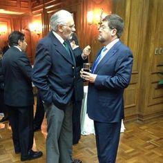 Junto al ex presidente Carlos Mesa en la presentación del Gobernador Carmelo Lens.