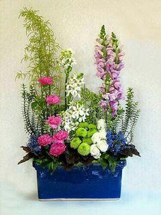 Meadow or garden look vertical arrangement