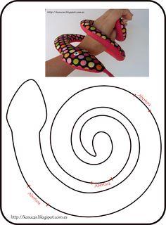 Kosucas : agosto 2013 Serpent, Fabric Dolls, Felt Fabric, Stuffed Toys Patterns, Felt Toys, Doll Patterns, Snake Patterns, Handmade Toys, Baby Decor