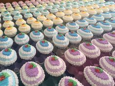 Icing Easter Eggs Mini Cupcakes, Easter Eggs, Icing, Desserts, Food, Tailgate Desserts, Deserts, Essen, Postres