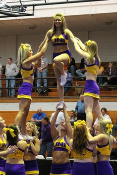 #cheer #cheerleader #cheerleading >>> the girl in the middle is one manning it! Beasting it!