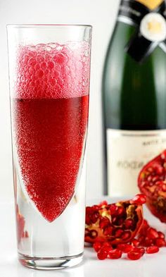Pomegranate & Champagne Cocktail – Happy Christmas & New Year Party Recipe - Easy Idea (2)