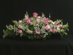Bunga untuk rumah duka Christmas Floral Arrangements, Flower Arrangements, Diy Wedding Decorations, Ikebana, Simple Designs, Flower Art, Floral Design, Floral Wreath, Centerpieces