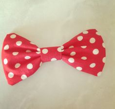 The Minnie Bow. $4.50, via Etsy.
