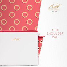 Mini tracolla in pelle liscia rossa con fianchi forati e borchiati. Guardala qui! -> http://www.modi-fashion.com/prodotto/mini-tracolla-borchiata-bicolore/ #modì #modiglianileatherdesign #leatherdesign #handmade #madeinitaly #handmadeinitaly #bag #bags #fashion #clothes #clothing #fashionable #instafashion #swag #swagger #model #style #musthave #fashiondiaries #ootd #accessories #tagstagramers #tagsta #tagsta_fashion #borsa #fashionblogger #artigianato #tracolla #shoulderbelt