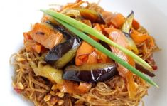 Wok, Japchae, Spaghetti, Meat, Chicken, Ethnic Recipes, Noodle, Cubs