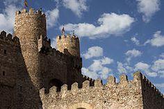 Castillo de los Obispos,Sigüenza, España  PM 53016.jpg