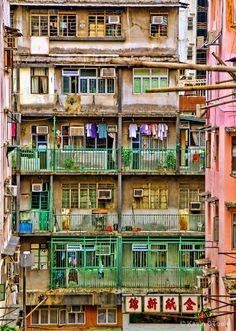 Hong Kong Apartment Living- I dont think so...I feel sorry for the families  who have to live like this