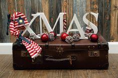 x-max Buchstaben aus Holz.  Mit der Bandsäge ausgesägt und weiss angestrichen. Deko für Weihnachtsshooting  Made by Talitha von Talitha-Fotografie