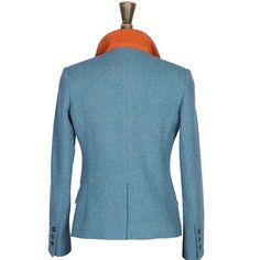 A burnt orange suede undercollar on the Windsor & Wales KINGFISHER tweed jacket. We only use the highest-quality Yorkshire suede.