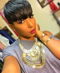 """Pretty! @iamevelynnicole ❤️  #thecutlife #shorthair #selfie #style #stunner ✂️"""