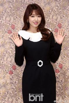 Park Shin Hye Dons Retro Dress for Fashion Brand Event in Seoul Lee Bo Young, Bridal Mask, Conservative Fashion, Yoo Ah In, Moon Chae Won, Tamar Braxton, Baby George, Diane Lane, Royal Babies