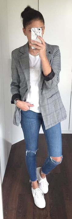 #spring #outfits woman wearing white shirt, blue denim jeans and grey peaked lapel outfit. Pic by @_allabout_s