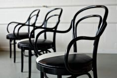 No. 14 chair; also called: 214, Thonet cafe chair, and bistro chair. Designed by Michael Thonet in 1860.