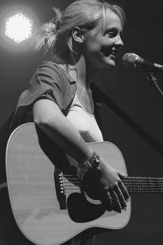 Laura Marling, Female Guitarist, Boho, Concert, Bands, Concerts, Festivals, Bohemian, Bohemia