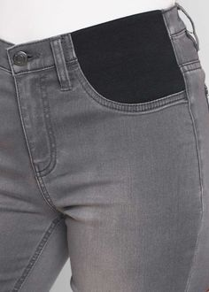 DIY Maternity Hack - replace this jeans section with stretch knit fabric with good recovery, or wide elastic Altering Jeans, Altering Clothes, Refashioning Clothes, Jeans Fabric, Old Jeans, Clothing Hacks, Sewing Techniques, Shirt Refashion, Jeans Style