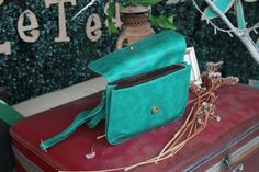 Green Sling Bag BY Le Tea Boutique | Shoppertise Online Shopping - Malaysia