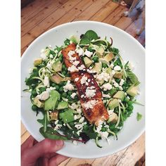 Proof I do eat savoury meals too, supper tonight is salmon pan fried in coconut oil, with avocado, feta on a bed of peas, courgetti and salad leaves #lowcarb #highfat #healthyfats #macros #micros #nutrition #health #healthy #iifym #flexibledieting #girlgains #teamfood #fitfam #ukfitfam #fitfamuk #bodybuilding #weightlifting #girlsthatlift #girlswholift #fit #fitness #icaniwill