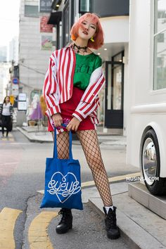 The Best Examples for Korean Street Fashion Funky Fashion, Tokyo Fashion, Harajuku Fashion, Cute Fashion, Look Fashion, Fashion Outfits, Fashion Design, India Fashion, Fasion