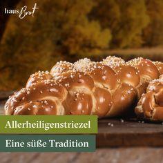 Das Brauchtum des Allerheiligenstriezels ist fast in ganz Österreich verbreitet - man verschenkt ihn oft an Patenkinder oder seine Lieben.😘  Weiterlesen und mehr erfahren 📖   #allerheiligenstriezel #jedenMorgenBequem #allerheiligen  #striezel #patenkind #paten #lieferservice #onlinebestellen #frischgeliefert #felber #geier #tradition #patenkinder #Zopf Sausage, Bakery, Meat, Poor Children, Vulture, Godchild, All Saints Day, Pigtail, Sausages