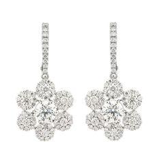 Flower Pods 18K White Gold Pendant Gold: 3.60 gms Diamonds: 1.13 cts