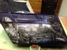 Custom Motorcycle Paint Jobs, Motorcycle Tank, Airbrush Art, Pinstriping, Bike Art, Car Painting, Custom Paint, Mad, Guns