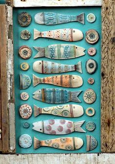 My Owl Barn: Assemblages Created With Wood and Ceramics Meine Eulenscheune: Assemblagen aus Holz und Keramik Ceramic Clay, Ceramic Pottery, Clay Projects, Clay Crafts, Clay Fish, Paperclay, Assemblage Art, Beach Crafts, Driftwood Art