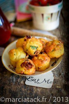 Des minis muffins aux tomates séchées pour se glisser sur les tables apéro de l'été