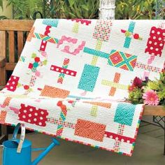 Funfetti by Jocelyn Ueng of It's Sew Emma Featured in McCall's America Makes Fast Quilts Kit available at Fat Quarter Shop! Patchwork Quilt Patterns, Modern Quilt Patterns, Modern Quilting, Quilting Patterns, Quilting Projects, Quilting Designs, Cute Quilts, Baby Quilts, Fat Quarter Quilt