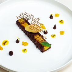 """""""Chocolat, mangue et fruits de la passion #BurgundyParis #photooftheday #pastry #chocolat #fruits #pastrylife #passion"""""""