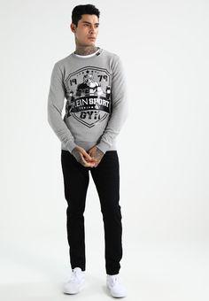¡Consigue este tipo de jersey de punto de Plein Sport ahora! Haz clic para ver los detalles. Envíos gratis a toda España. Plein Sport Sudadera grey melange: Plein Sport Sudadera grey melange Premium   | Material exterior: 95% algodón, 5% elastano | Premium ¡Haz tu pedido   y disfruta de gastos de enví-o gratuitos! (jersey de punto, knitted, cotton, knit, knits, stitch, cashmere, knitwear, pullover, pullover hombre, lana, trenzados, strickpullover, jersey tejido, jersey au tricot, jersey...