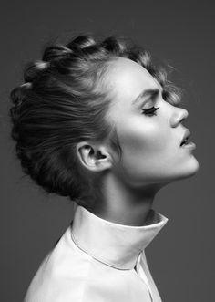 Photographer: Gitte Post MUA: Anette Laursen / Le Management Styling: Sarah Bojesen Model: Sophie Feline / Le Management