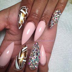 bitchienails's photo on Instagram | pink nails #stilettonails #goldnails #crystalnails
