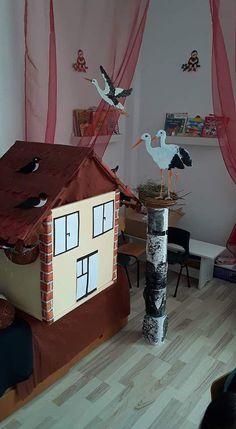 Bu sayfamızda çeşitli malzemelerden yapılmış leylek sanar etkinlikleri yer almaktadır. Çocuklarımıza leylek vb türlerden olan hayvanlaro ya da nesneleri anlatırken somut yollara somut öğelere yer vermek hem çocuklarımızın çabuk kavramasını hem de eğlenceli vakit geçirmelerini sağlayabiliriz. iyi eğlenceler 😊😊🤗 Baby Stork, Reading Room, Art Activities, Disney Magic, Advent Calendar, Preschool, Jar, Birds, Holiday Decor