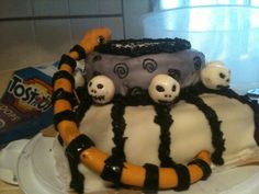 Nightmare Before Christmas Cake...fondant heads and snake..