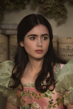 Image of Lily Collins ('Mirror Mirror' still)
